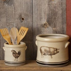 AUDREY'S pig and rooster crock duo